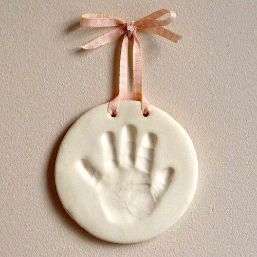 Mimo faça você mesmo: moldes das mãos e pés dos bebês