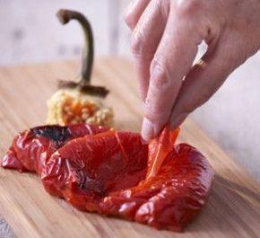 Comment éplucher facilement vos poivrons ? - GRAND FRAIS