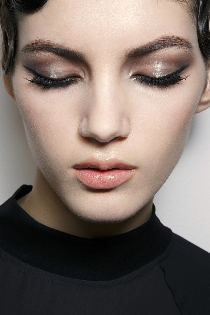 If you're more of a minimalist when it comes to beauty products, you can still get shiny, thicker-looking lashes without mascara. Vaseline applied to the area makes lashes look longer and more voluminous, and it's rumored to help them grow faster. #prom