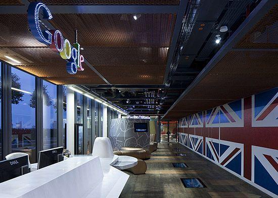 Este é o escritório do Google de Londres, com a decoração temática do país e com uma horta do lado de fora para o desfrute dos funcionários.