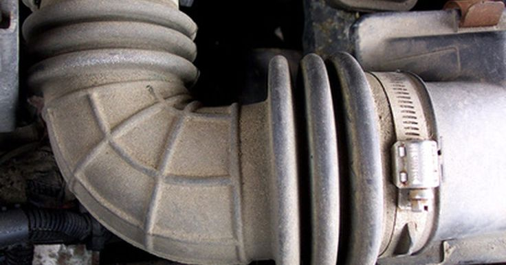 Problemas de refrigerante en el Oldsmobile Silhouette. La minivan Oldsmobile Silhouette fue fabricada por la Oldsmobile Division de la General Motors entre 1992 y 2004. La lujosa minivan competía contra la Town and Country de Chrysler y otras minivan del mercado. Los usuarios actuales tendrán que cuidarse de potenciales pérdidas de refrigerante del motor.