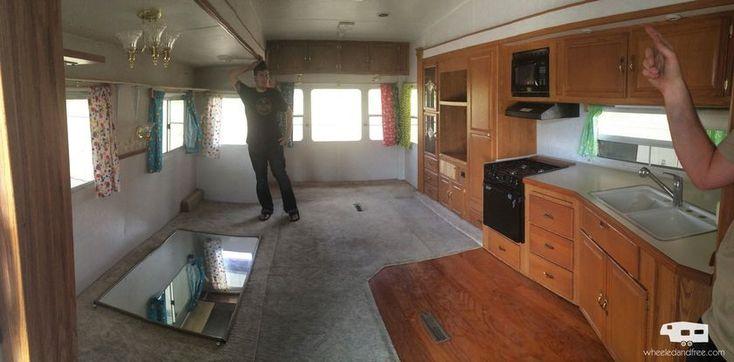 100 Amazing Rustic RV Interior Remodeling Design Hacks Ideas https://decomg.com/rustic-rv-interior-remodeling-design-hacks-ideas/