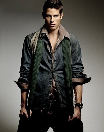 Sean Faris... A guy is even hotter if they can pull off scarfs with there outfit