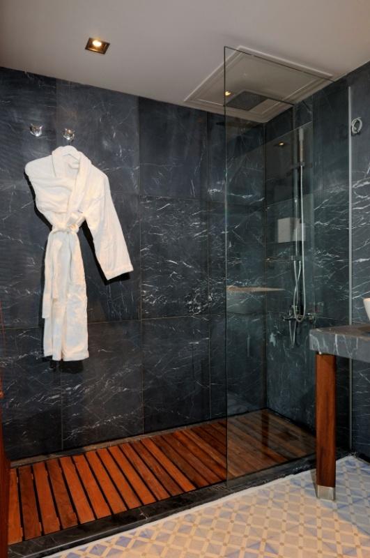 50 best salle de bain images on Pinterest Bathroom, Half bathrooms