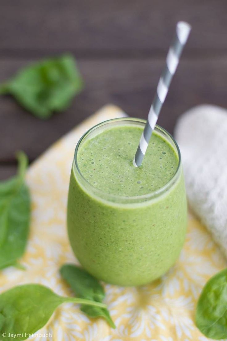Looking for your latest green smoothie recipe obsession? Try this Apple Spinach Protein Smoothie