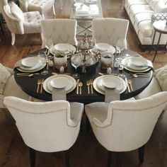Grey and gold dining room. Astounding Oval Dining Tables for Your Modern Dining Room ♥ Discover the season's newest designs and inspirations. Visit us at http://moderndiningtables.net/   #moderndecor #decoration #moderndesign #design #decor #homedecor #diningroom #diningroomdecor #modernstyle #modern #furniture