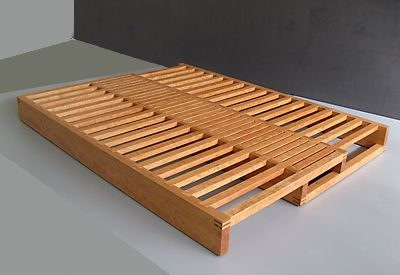 We could make this with pallets!