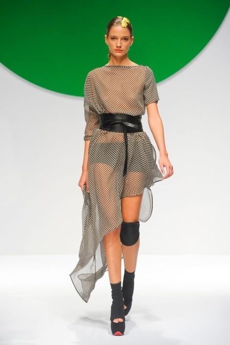 89 Fantastiche Immagini Su Italian Fashion Su Pinterest Gianni Versace Prada E Top Model