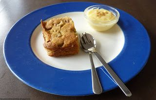 Rabarberkoek met maismeel van Nigella - www.bijnanetzolekkeralsthuis.nl