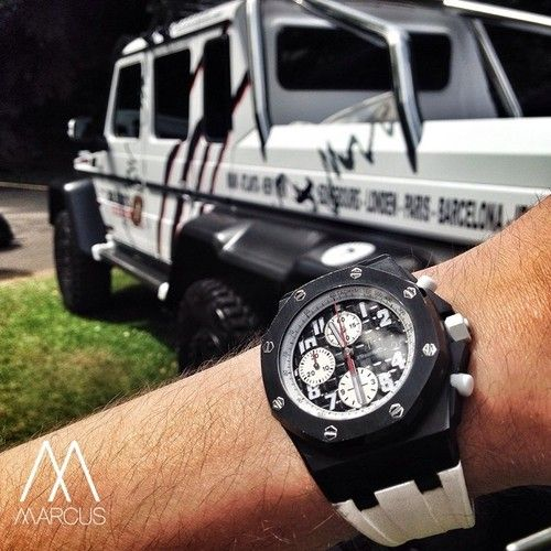Mercedes benz g wagon 6x6 watch gang cars and bikes for Mercedes benz g wagon 6x6