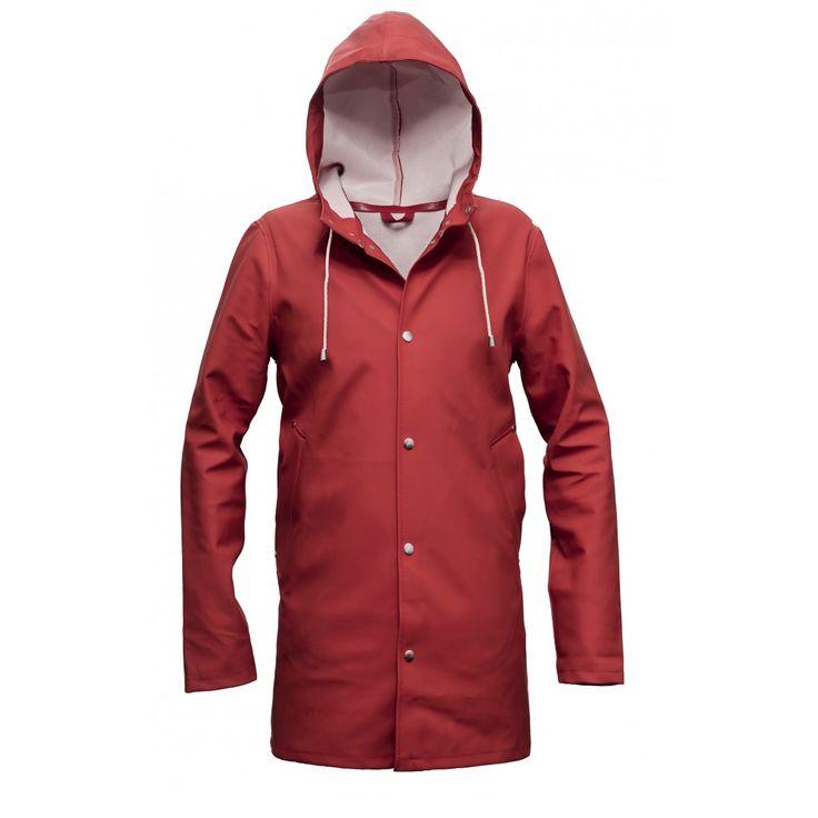 """Svenska Stutterheims """"Regnrock Stockholm"""" - En riktigt snygg modedetalj som håller dig torr med stil! #regnrock #raincoat #stutterheim #stutterheimraincoats #stockholm #raincoatstockholm #regnrockstockholm #stutterheimregnrock #mode #stil #mensfashion #herrmode #mode #stil #style #swag #Obsid  http://www.obsid.se/mode-och-grooming/regnrock-stockholm-torr-med-stil/"""
