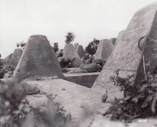 U.S. troops under German fire on the Siegfried Line