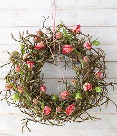 Tulpen – Ausgefallene Dekoideen zum Nachmachen: Türkranz aus Tulpen