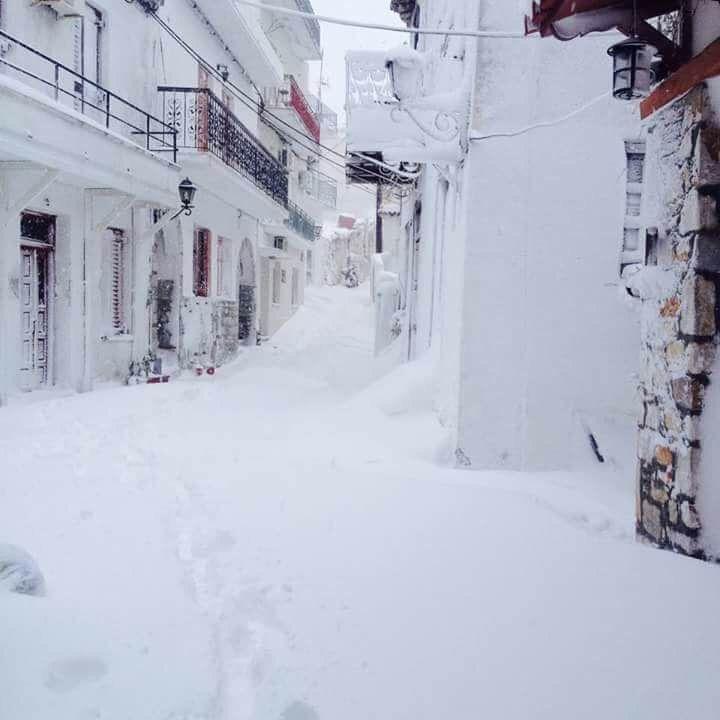 Iarna in Insula Skiathos