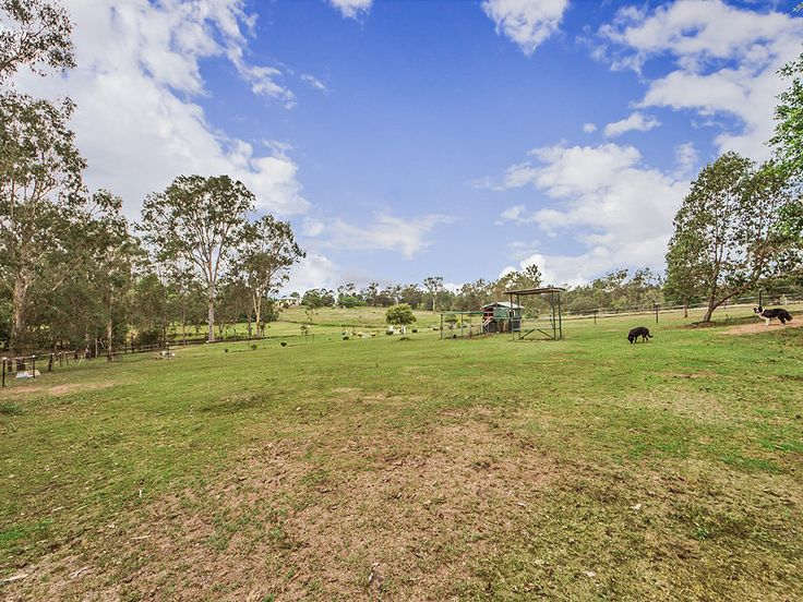 Property data for 27 Limosa Road, Lowood, Qld 4311. View sold price history for this house and research neighbouring property values in Lowood, Qld 4311
