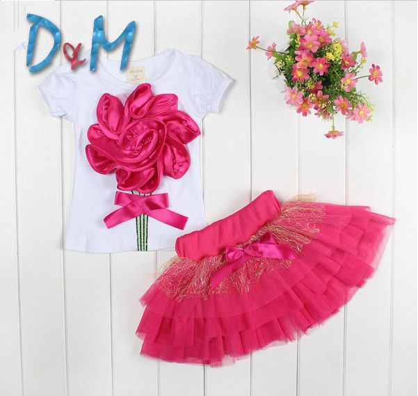 Casual clothing set 2 pieces T-shirts+short skirts with flower outerwear outdoor fun girls fashion party 2014new summer clothset US $7.95 - 9.45