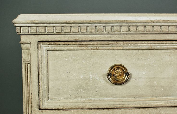 Detail of Gustavian style chest of drawers Skarhult. #swedish style #gustavian reproduction