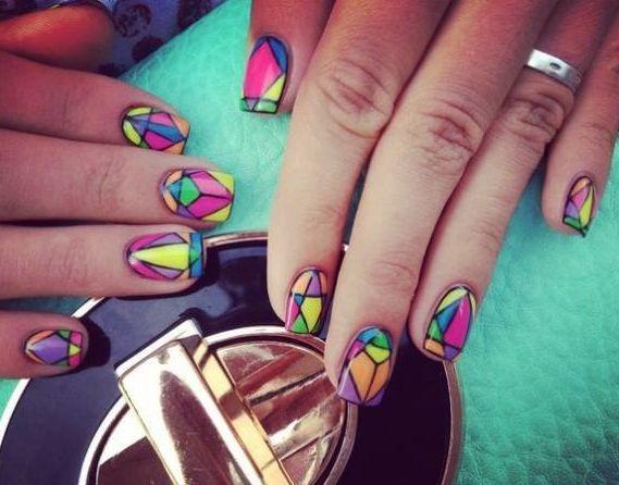 яркий маникюр, маникюр алмаз, разноцветные ногти, геометрический маникюр