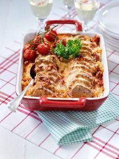 Fläskfilegratäng.En fantastiskt god sås på soltorkade tomater, tomatpuré och kalvfond.