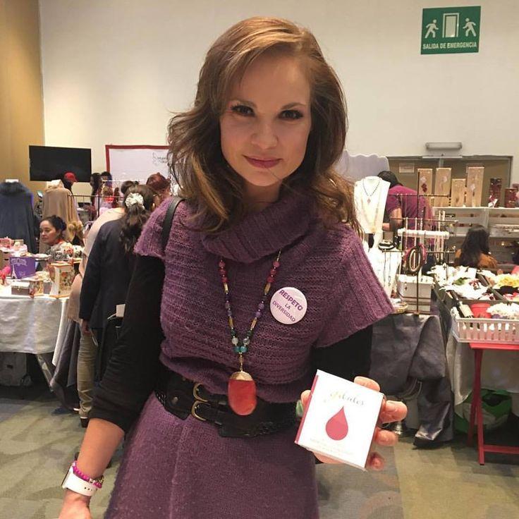 """Ana Patricia Rojo con G-lules en el bazar """"Mujeres con Alas"""""""
