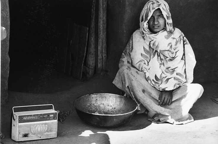 A Peasant Woman with a Radio in the Vicinity of Jhabua © Gianni Berengo Gardin