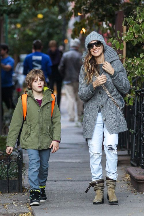 Sarah Jessica Parker has a busy morning taking her kids to school