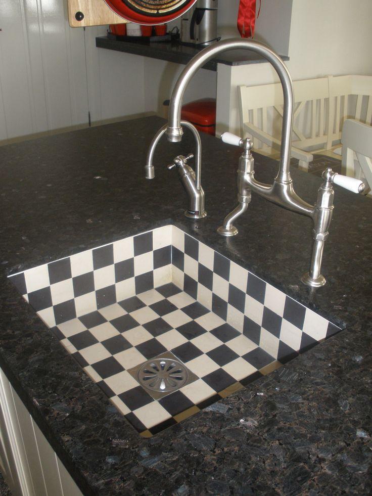 witte keuken met prachtige spoelbak en kranen in stijl, Odink Keukens ...