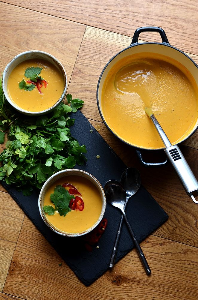 Vegan Thai Sweet Potato Soup. Easy, creamy sweet potato soup infused with thai spices and a little chilli kick!