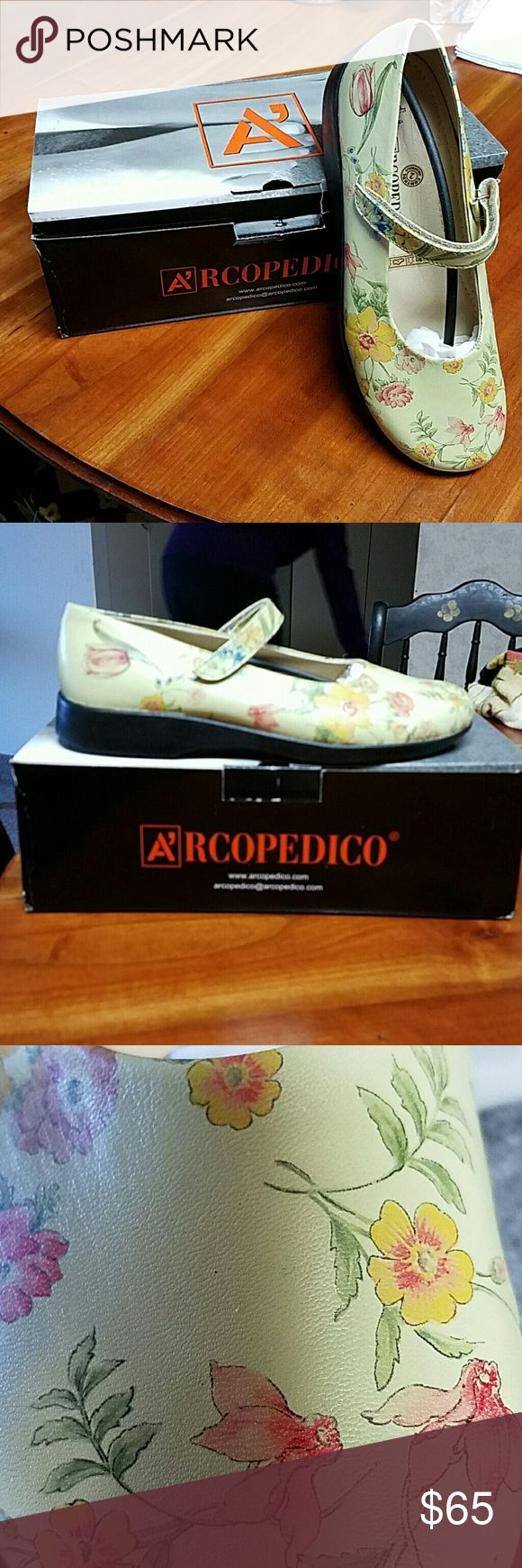 Arcopedico floral Mary janes NIB Arcopedico Gucci Floral print w/velcro.    The beautiful floral pattern is amazingly close to that of Gucci.   See photo #4. All leather arcopedico Shoes Flats & Loafers