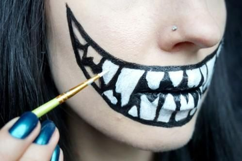 Last-Minute-Halloween-Kostüm: Scary Mund!