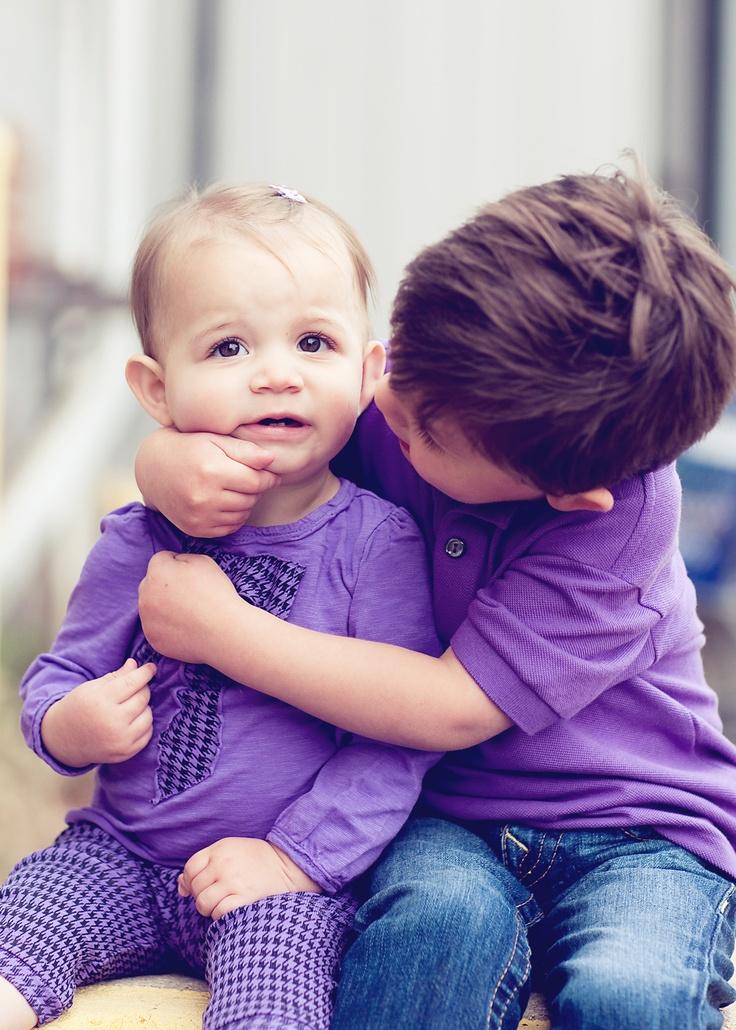 Big Brother, Little Sister Hug Photo Inspiration Grande-1284