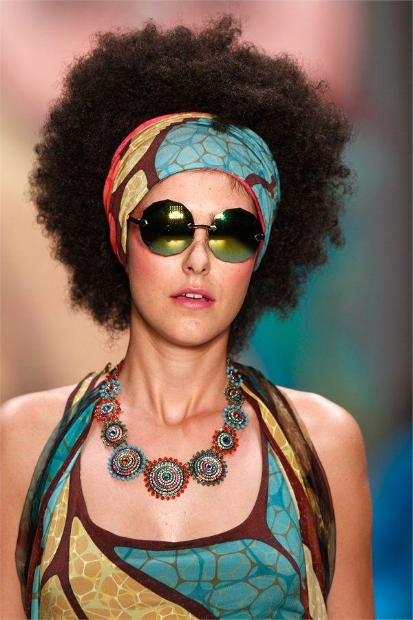 https://www.vanityfair.it/beauty/capelli/15/04/15/capelli-trend-afro-ricci-permanente-volume