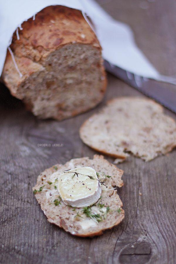 Ein Rezept für einen Wintersalat und ein selbstgebackenes Brot.