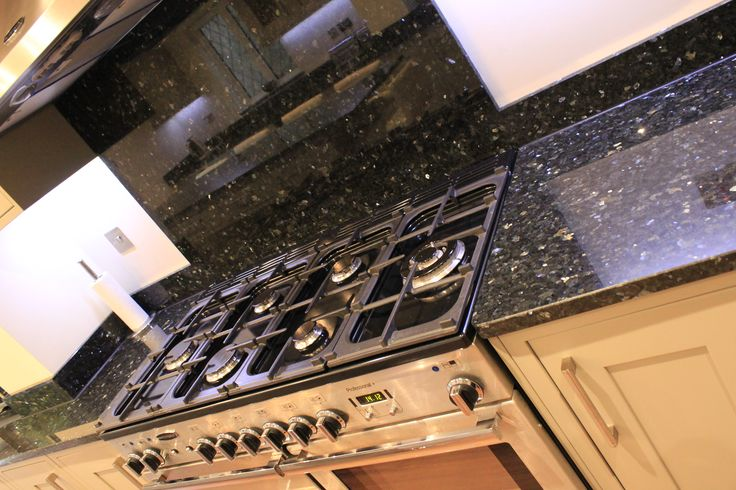 18 Best Granite Worktops Images On Pinterest Emerald Pearl Granite Granite Countertops And