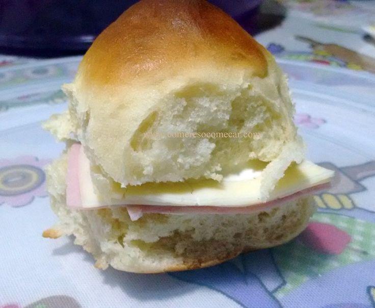 Oi meus amores.Já fiz várias receitas de pães e estava à procura de uma receita que ficasse bem macio para a filhota levar de lanche.  ...