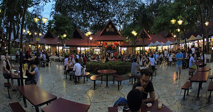 Newton Food Centre (also widely known in Singapore as Newton Circus or Newton Hawker Centre) - Explore #Singapore - Your way in a day (via singaporeyourway.com ). Also here: http://www.hungrygowhere.com/gallery/what-to-eat-at-newton-food-centre-*gid-6b483101/