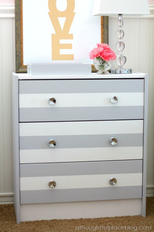 such a cute way to paint a dresser! Love the colors!