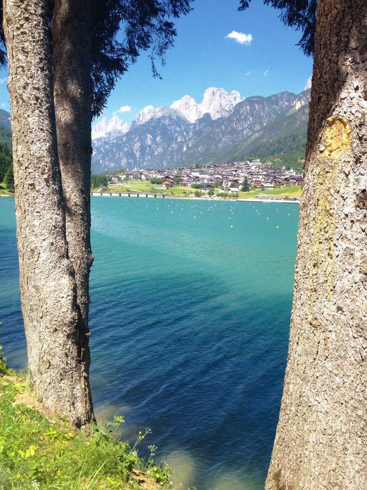 Lago di Auronzo di Cadore nel Auronzo di Cadore, Veneto #auronzomisurina