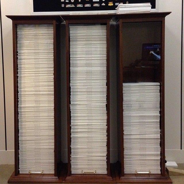 'Just WOW!' Sen. Mike Lee tweets shocking display of Federal Register, regulations ---------------------------------------------------  Mike Lee        ✔ @SenMikeLee  Behold my display of the 2013 Federal Register: 80,000 pages of regulations: