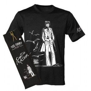 Corto Maltese flânant au milieu des goélands. Tee-shirts manches courtes personnalisés avec un motif au choix sur la poitrine et la signature CORTO MALTESE sur la manche.