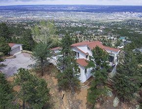 Colorado Springs Best Realtor - Kelly Young, The Platinum Group Realtors