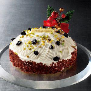 スポンジにカシスムース、マロンクリームをサンドしたボンブ型ケーキ。【クリスマスカシスマロン】