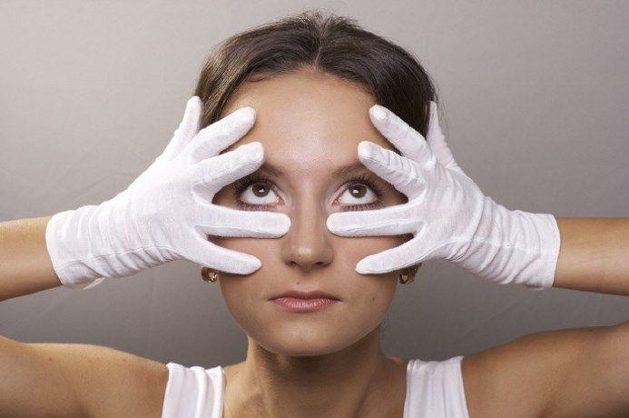 Проверенные правила ухода за кожей век и вокруг глаз и лучшие домашние маски