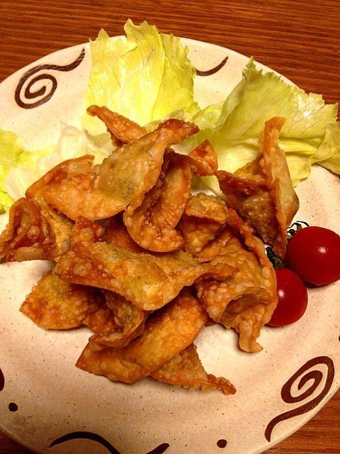 なんていうお料理かな?(⌒-⌒; ) - 58件のもぐもぐ - カレー味挽肉を餃子の皮に包んで揚げたやつ(^^;; by kamasann