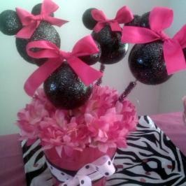 Zebra Minnie Mouse Party Centerpieces | Inside, a buffet table was set
