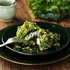 Een heerlijk recept: Kabeljauw verpakt in savooiekool met verse kruiden