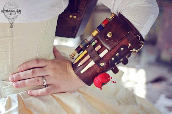 Every crafter needs a handy tool kit. Why not make it part of your outfit?