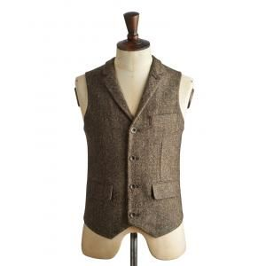 Joules Fincharm Mens Tweed Waistcoat - £99.95 www.countryhouseoutdoor.co.uk - Embrace country gent style with our contemporary take on the traditional wool-tweed waistcoat. The conversational heritage-print lining and little details lift it way out of the ordinary.