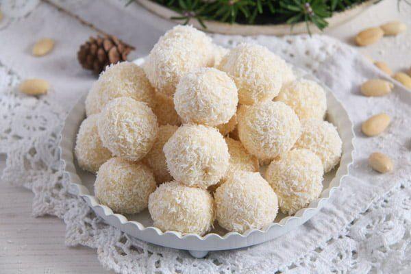 Three Ingredient Homemade Raffaello Coconut Almond Balls Recipe Food Coconut Almond Grape Recipes