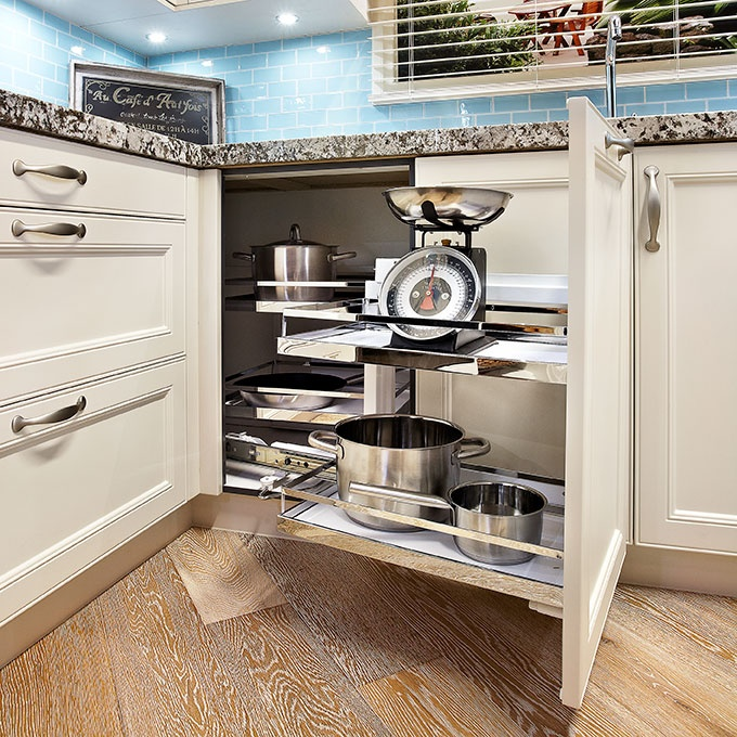 Kitchen Cabinets Small Space: Slide Out Corner Kitchen Shelves. Great Use Of Corner